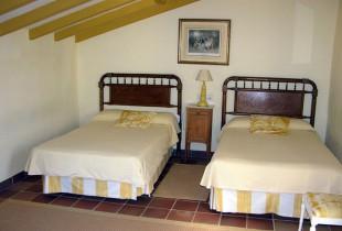 First floor / Yellow room
